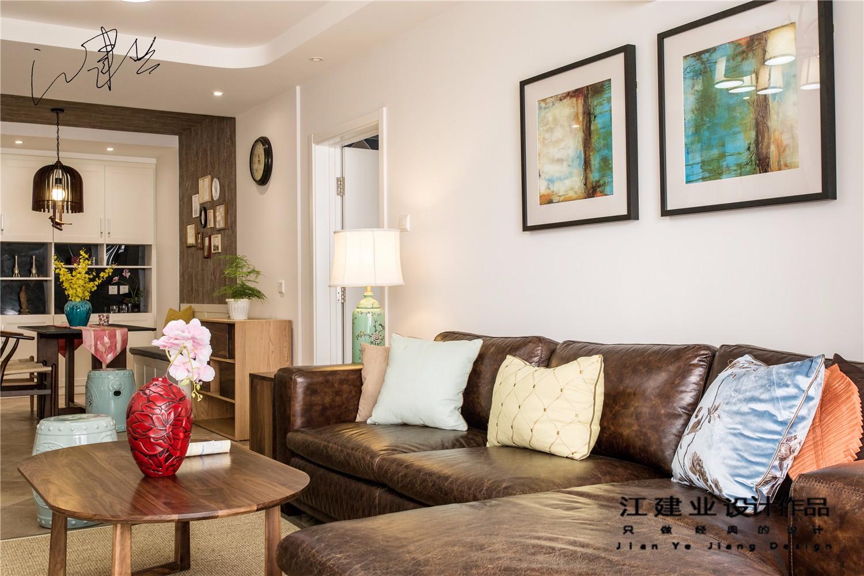 混搭客厅沙发背景墙实景图