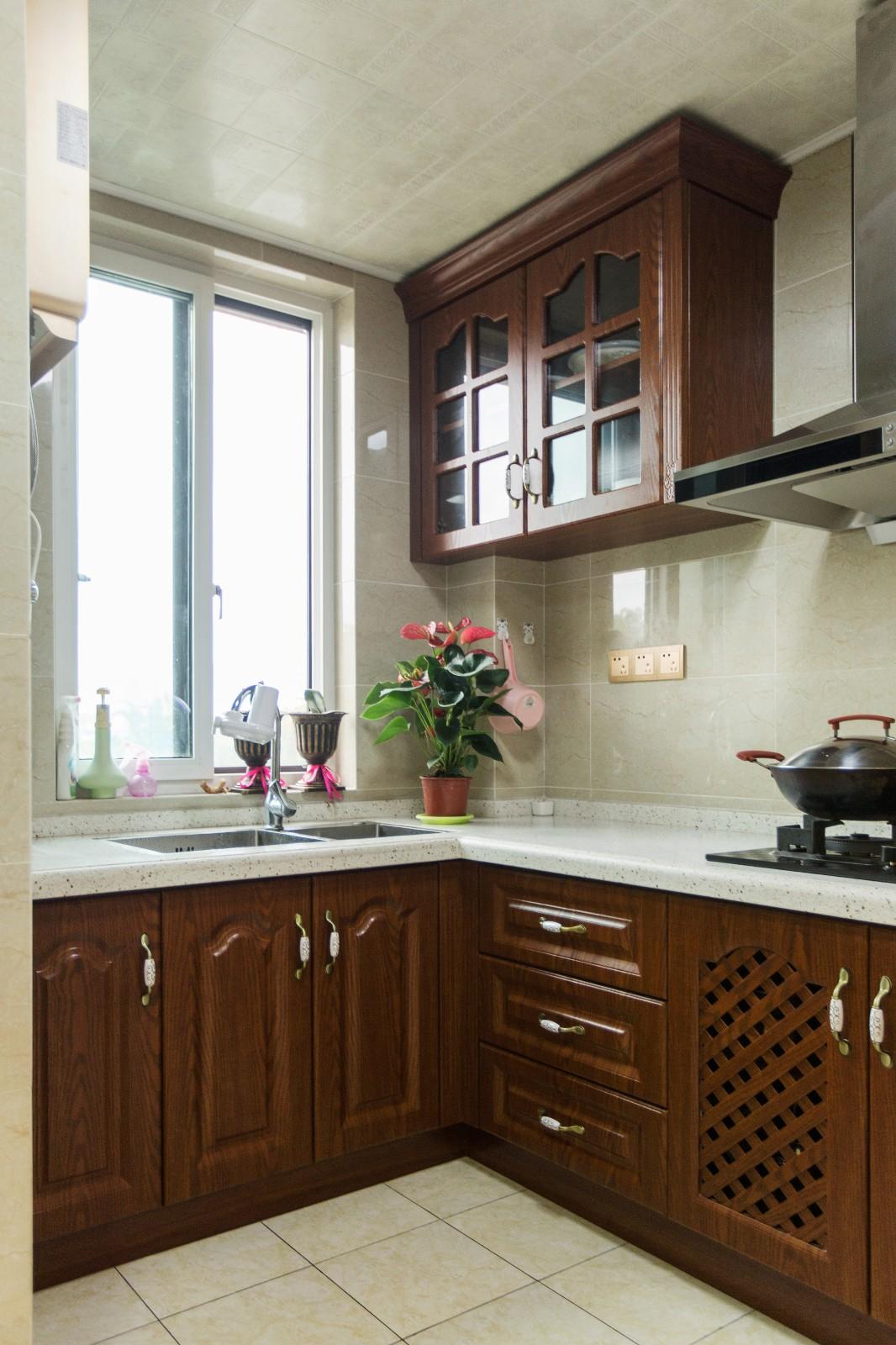 新古典厨房背景墙实景图