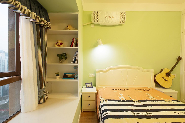 北欧卧室飘窗实景图