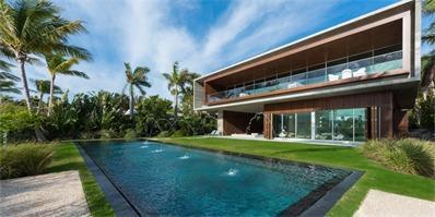 MK27工作室迈阿密海滩别墅项目完工 该豪宅拥有私人潟湖