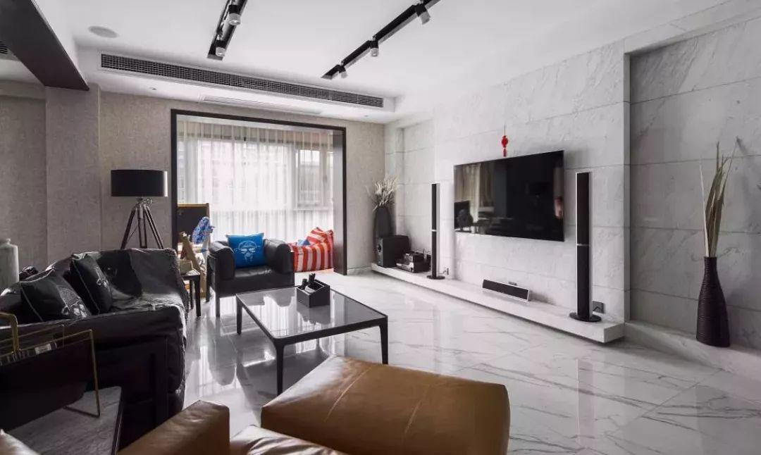 简简单单的电视墙,这样装也挺漂亮!